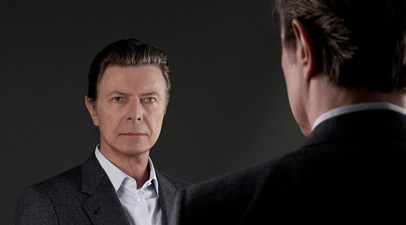 David Bowie apresenta 'Sue (or in a season of crime)' na BBC Radio 6