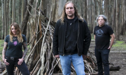 "Acid King lançam primeiro single de ""Middle Of Nowhere, Center Of Everywhere"""