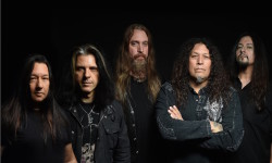 Testament abrem para Amon Amarth no Coliseu do Porto