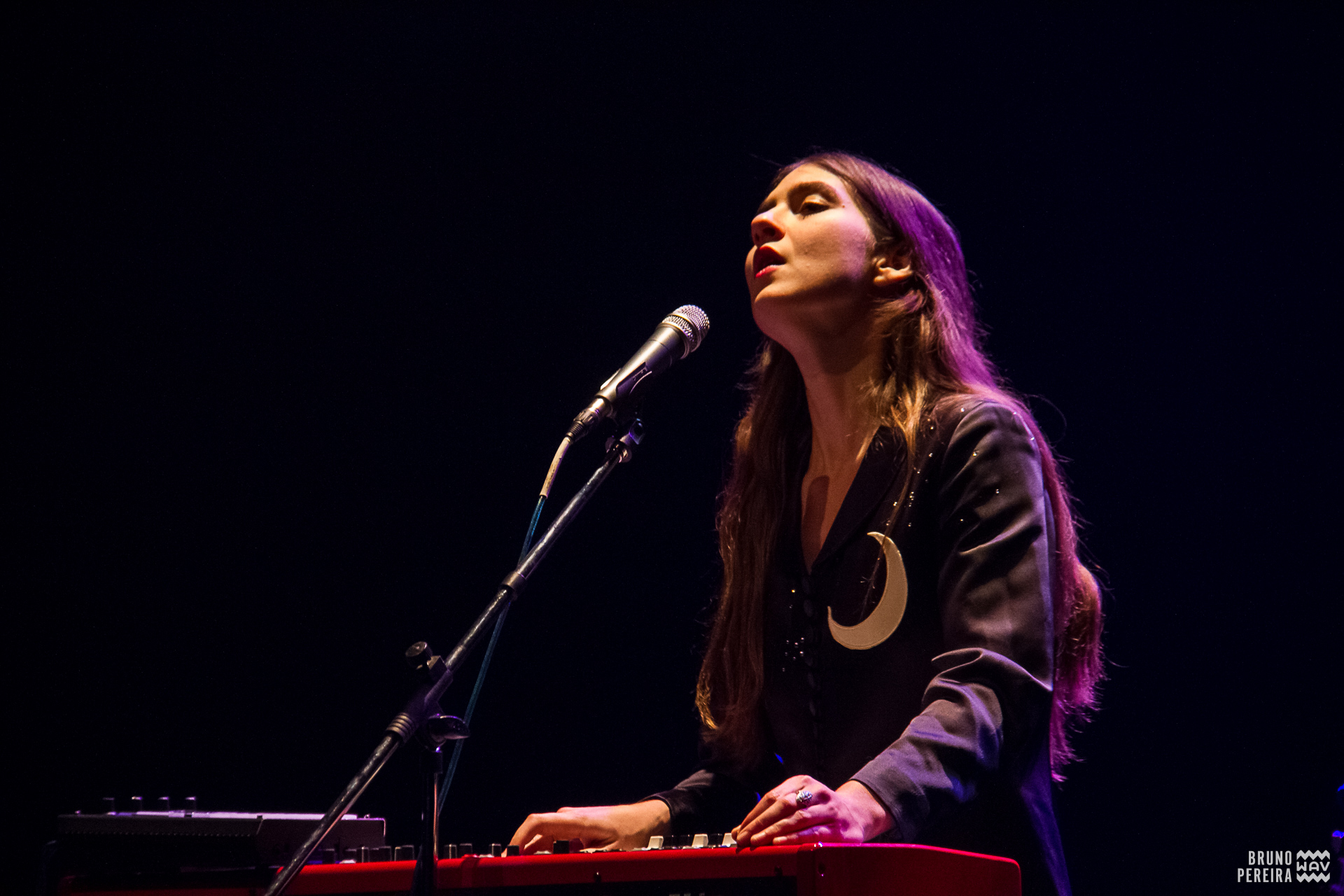 weyes_blood_2016_wav