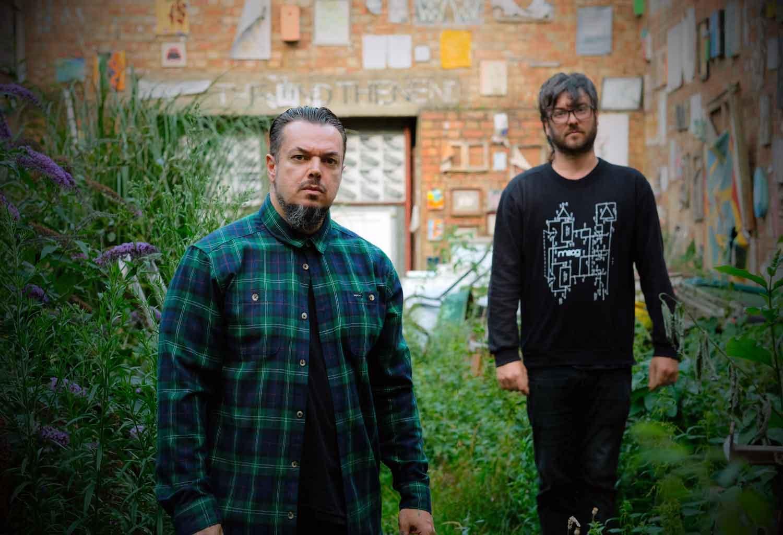 Passatempo: Ganha convites para a estreia de Petbrick em Lisboa [Vencedores anunciados]